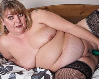British lady shows her naughty side