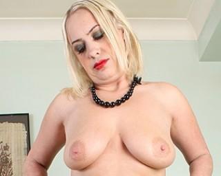 British naked milf