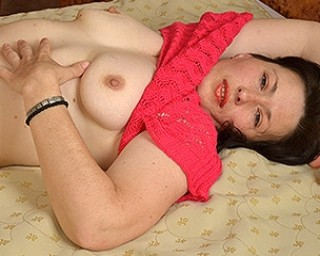 hairy MILF playing with her toys