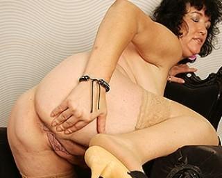Big mature lady masturbating
