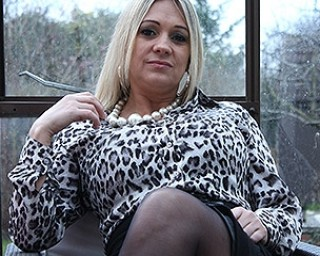 Hot big breasted British housewife explains what she wants to do