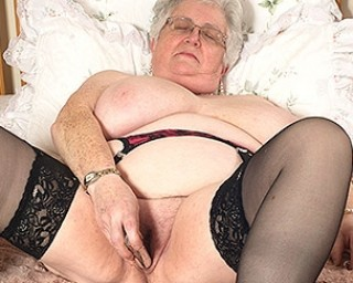 Fat mature housewife with a big butt 5