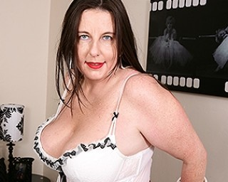 Chubby Big breasted housewife playing with her wet pussy