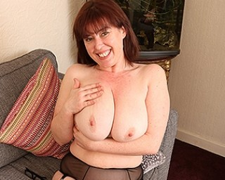 Big breasted chubby mom playing with her hairy pussy