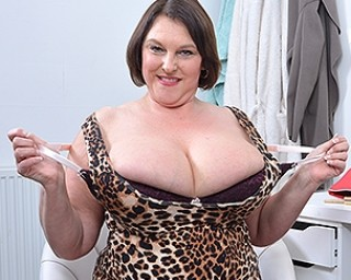 British huge breasted housewife getting naughty as hell