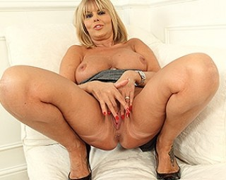Hot steamy MILF playing with herself