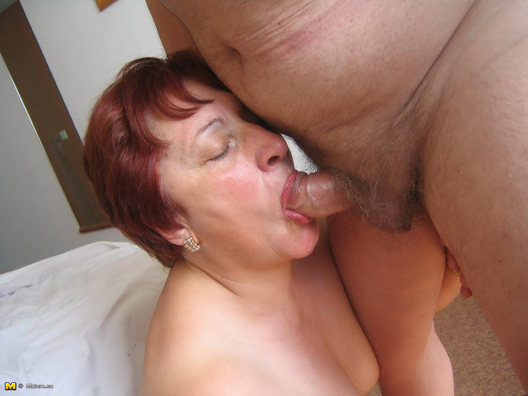 Old mature sucking cock