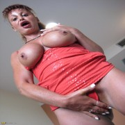 This horny mature nympho loves to play with her toys