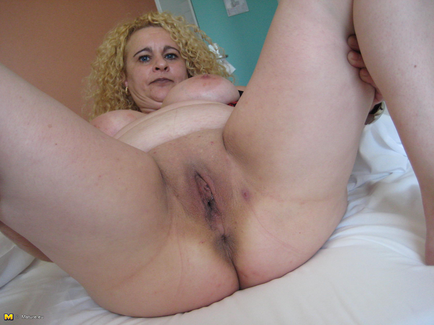 eskort eu mature blonde