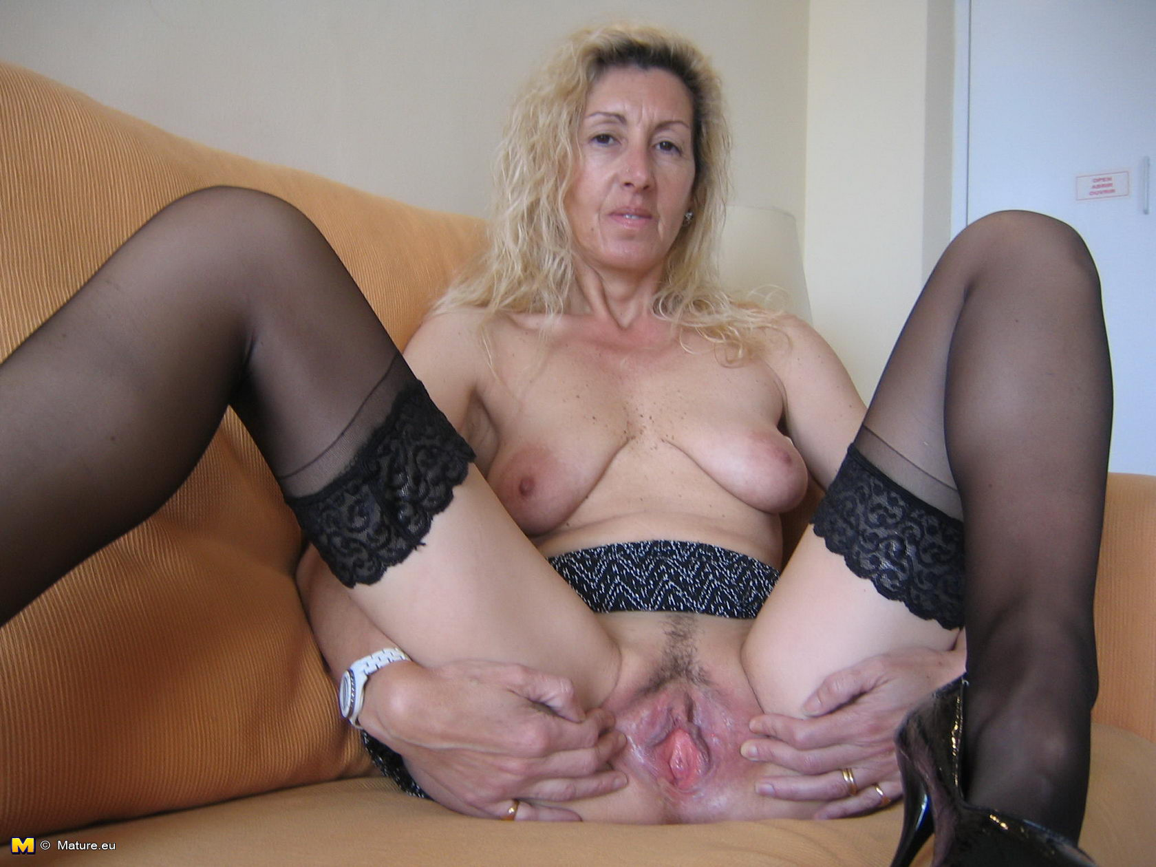 Free mature slut sex clips