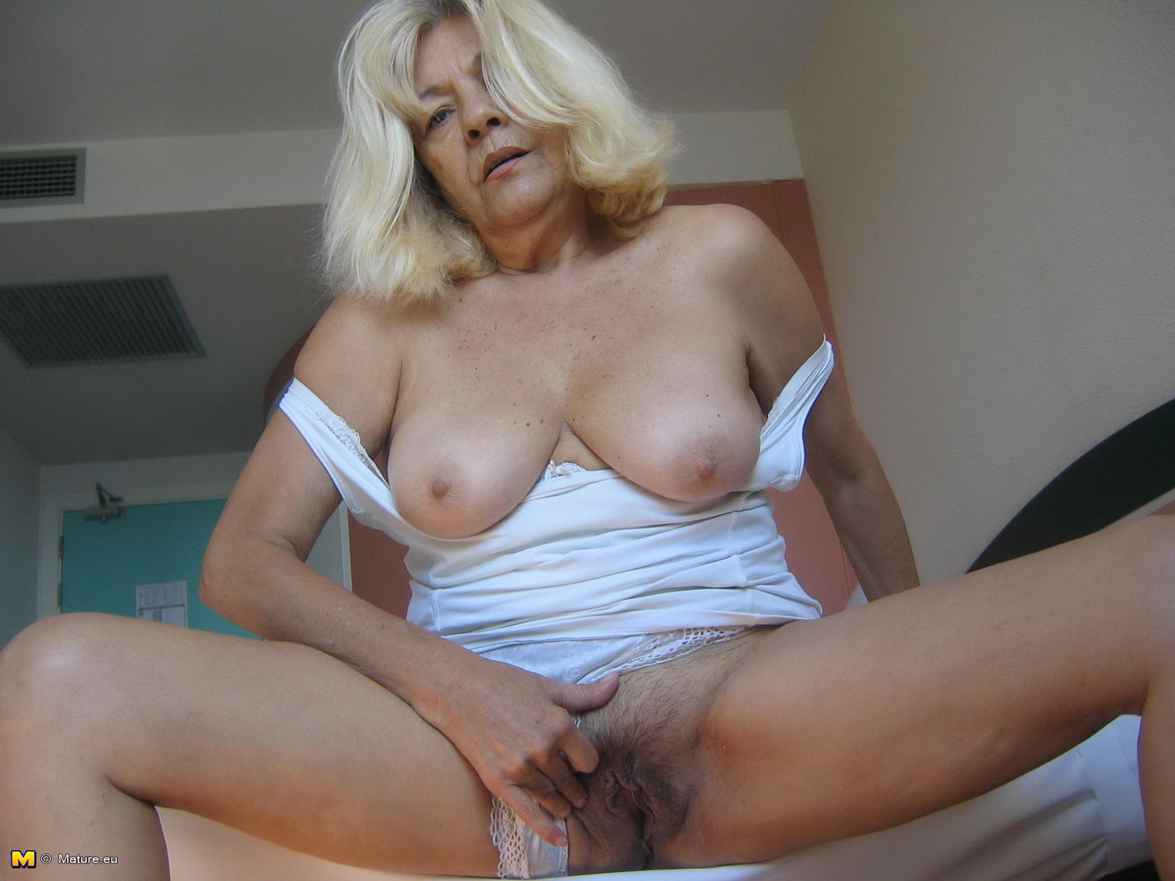 The Horny Mature gets all she needs