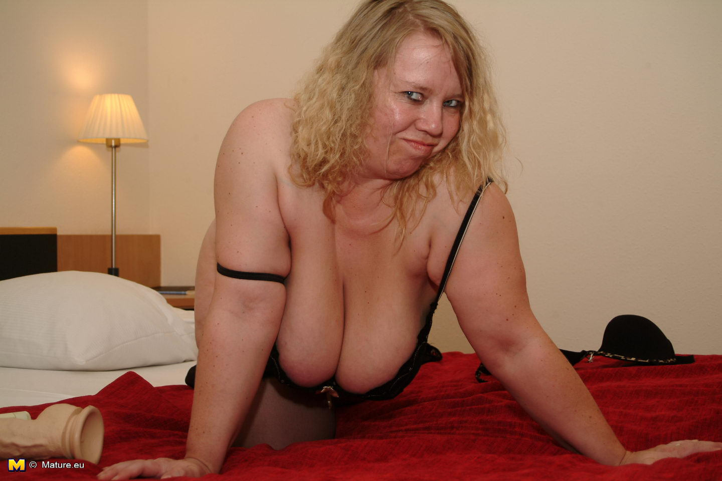 big titted mature german slut playing with her toys - grannypornpics