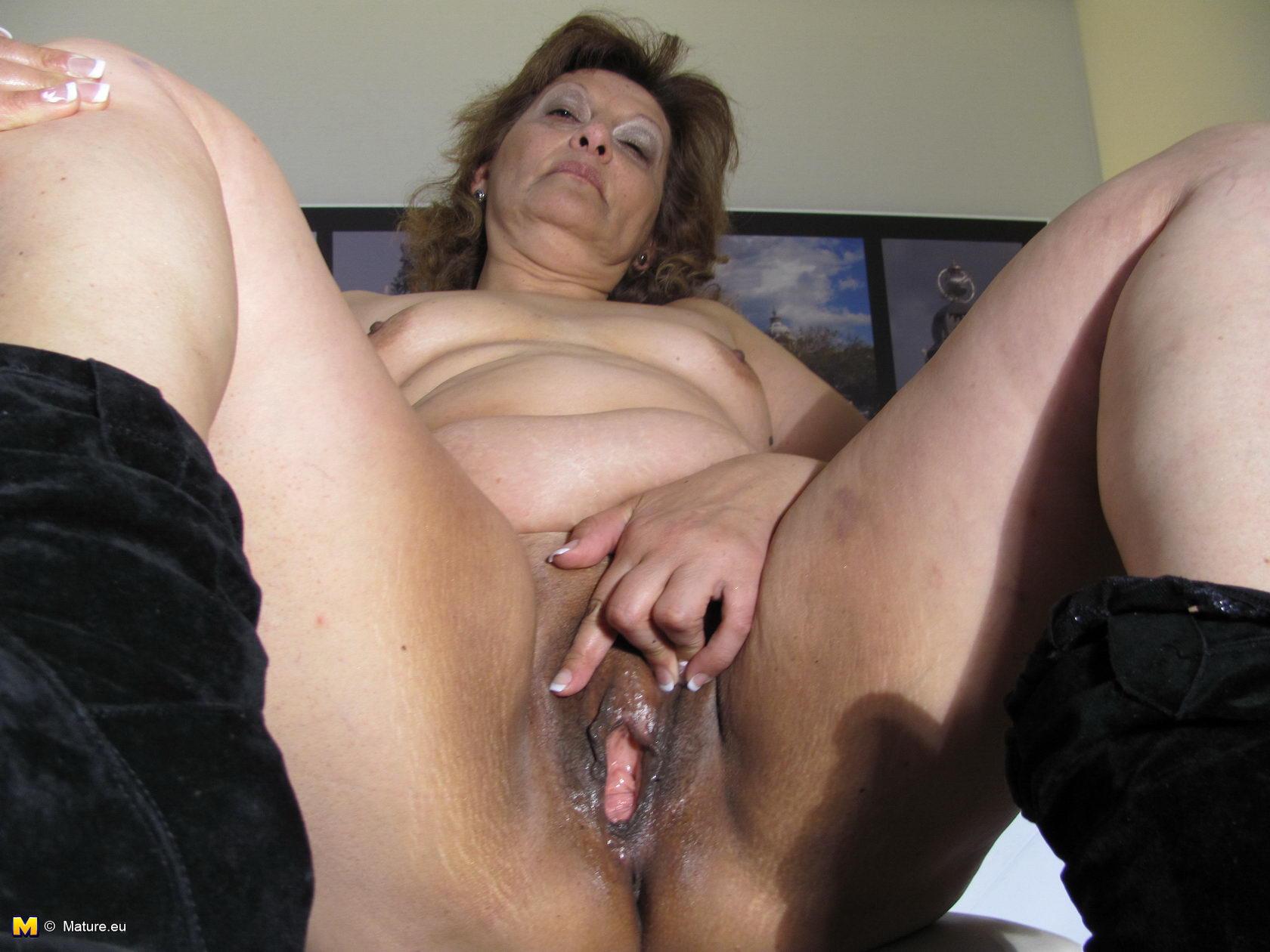Частное фото голых жен среднего возраста - 30-45 лет