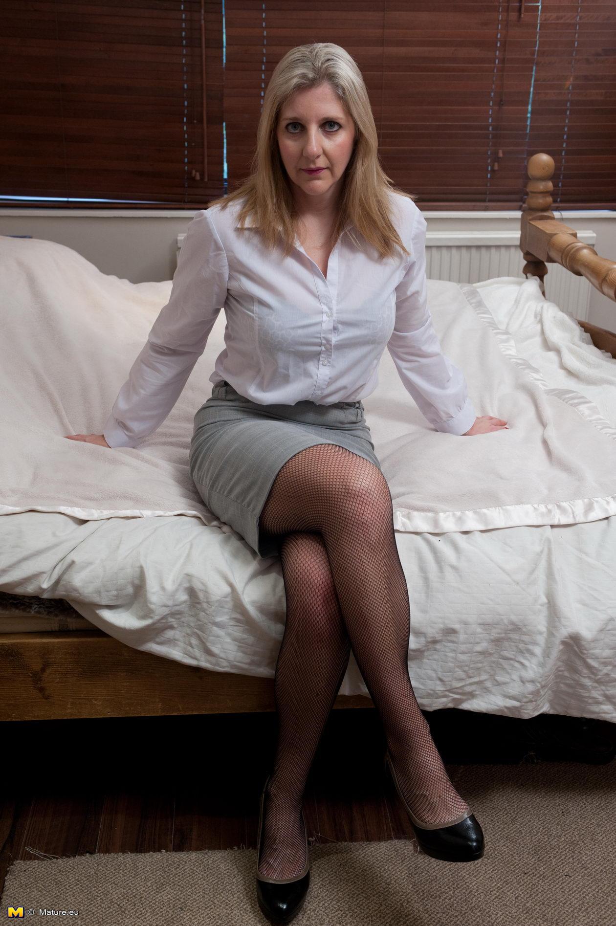 image German milf in red lingerie get hard fucked by big dick