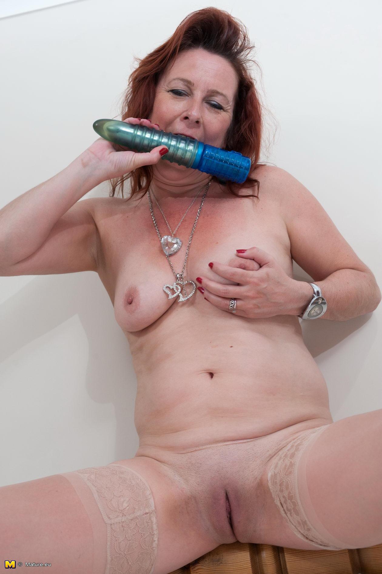 Elderly cock sucking slut