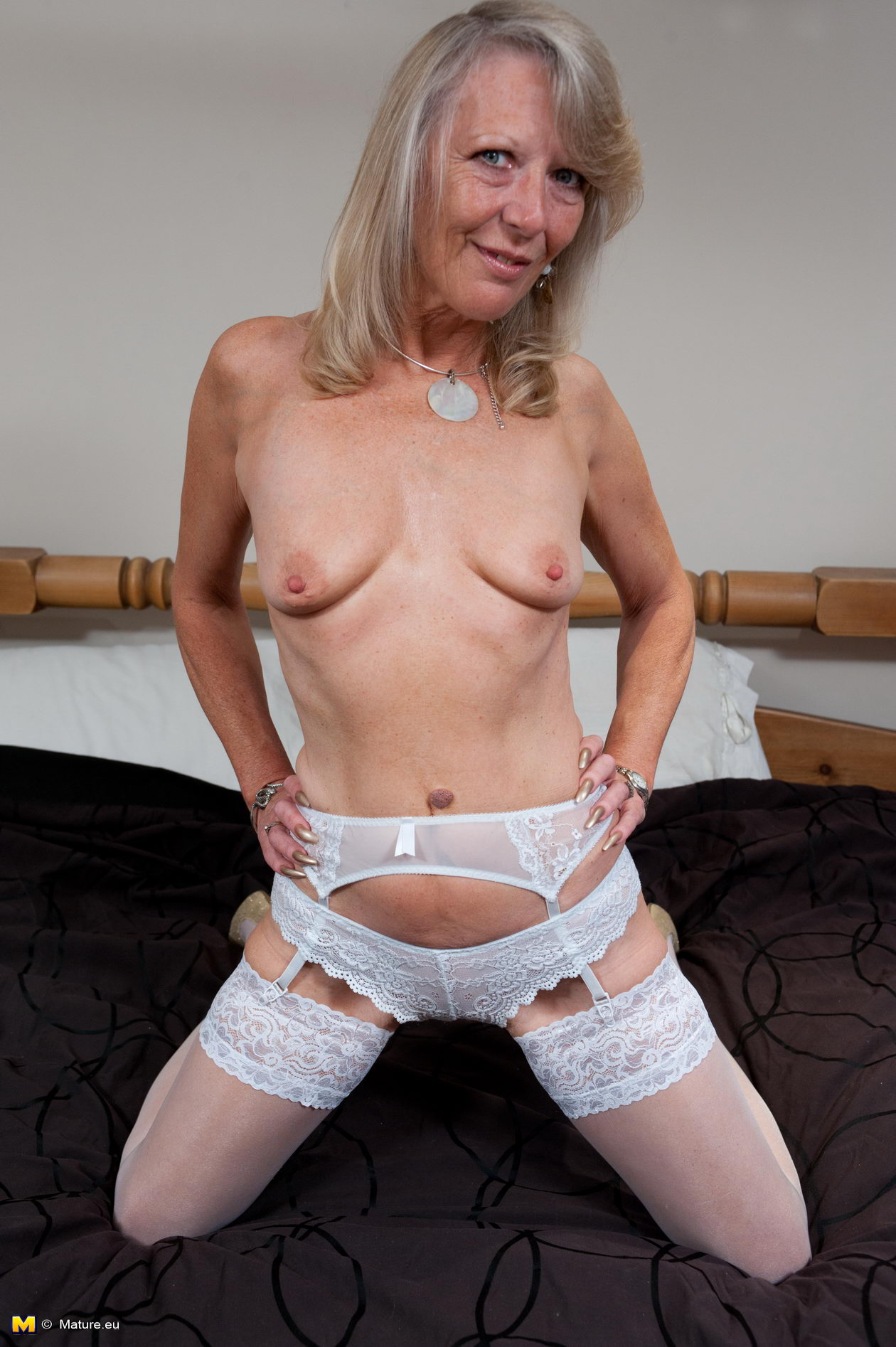 mature slut Naughty