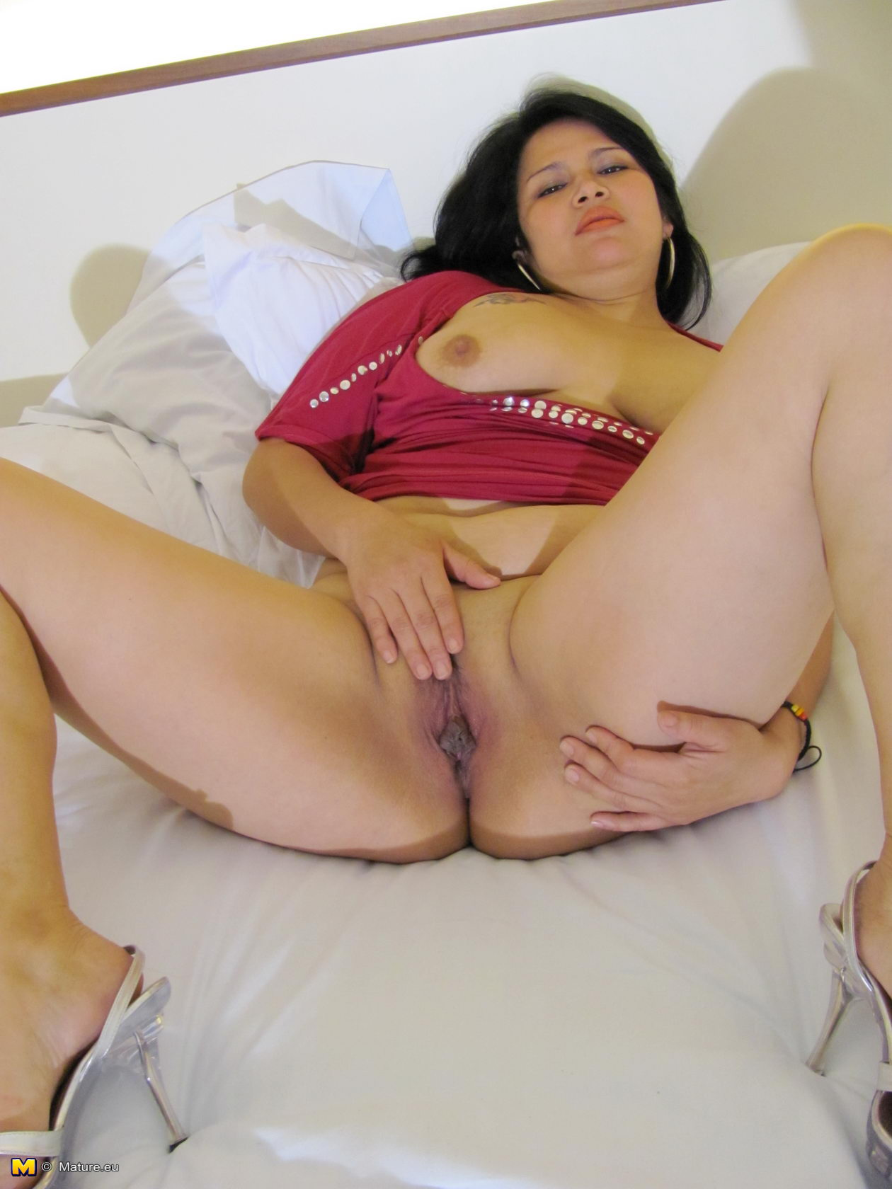 Right free mature pics kink she could