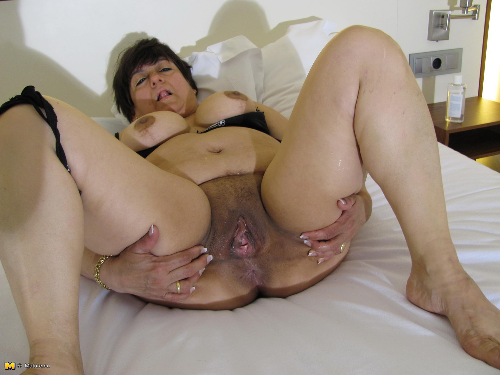 Deepthroat swallow and balls