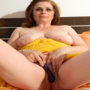 This mature slut love sto play alone