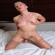 This mature slut loves to show her dirty stuff