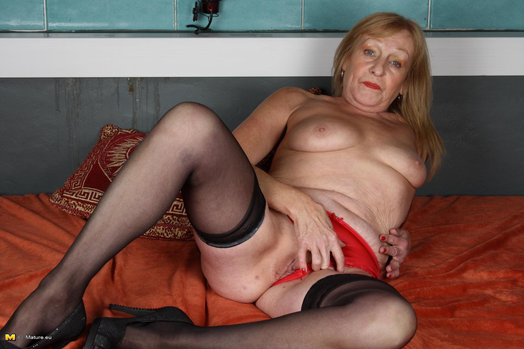 Старые голые бабки фото проституток фото 7-472