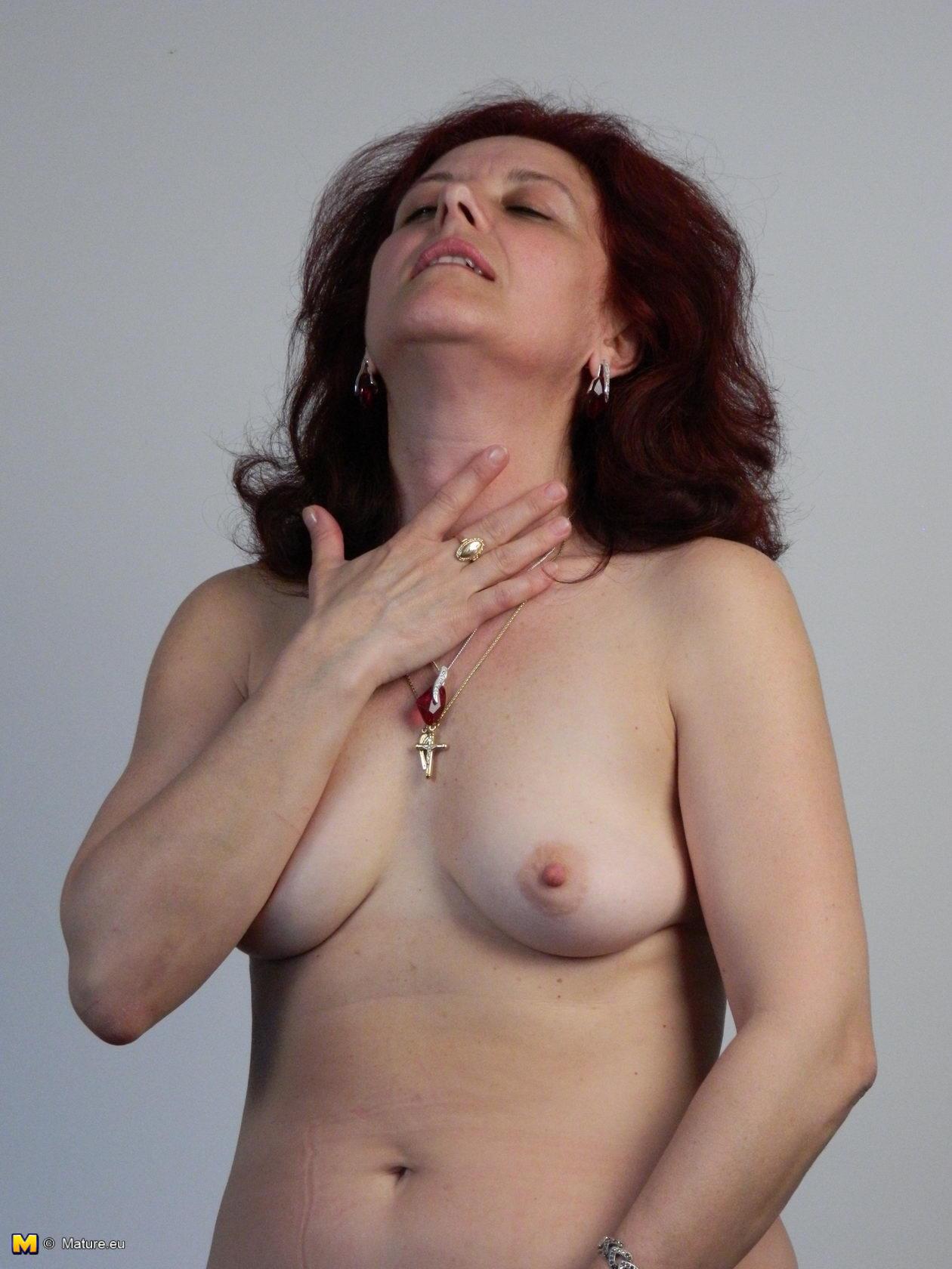 aletta hd wall top nude