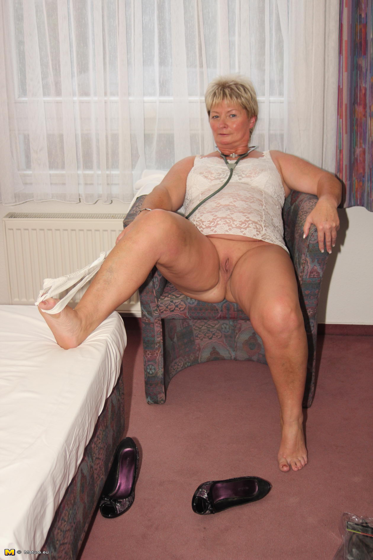 Mature granny gallery