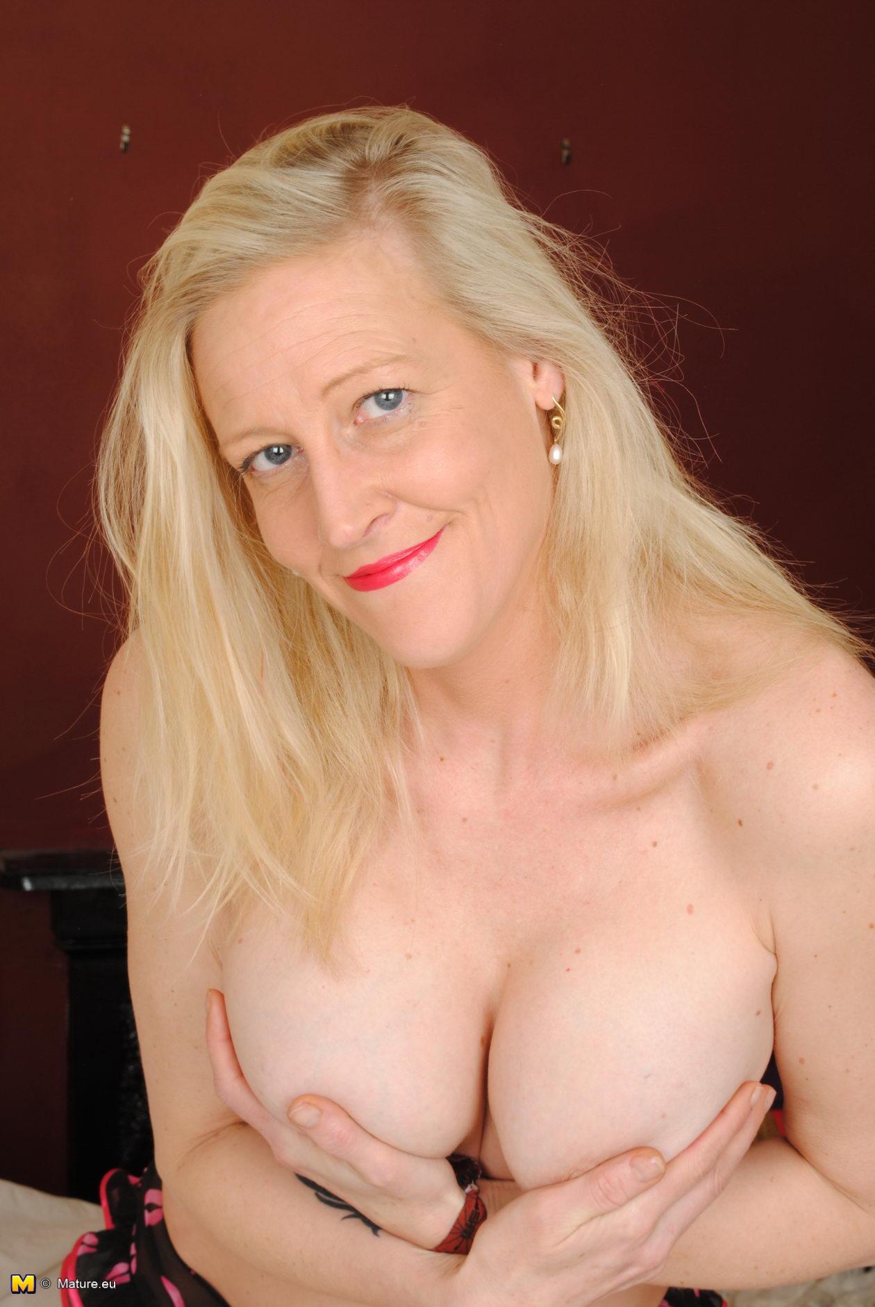older very nice built tall big boobed nude women