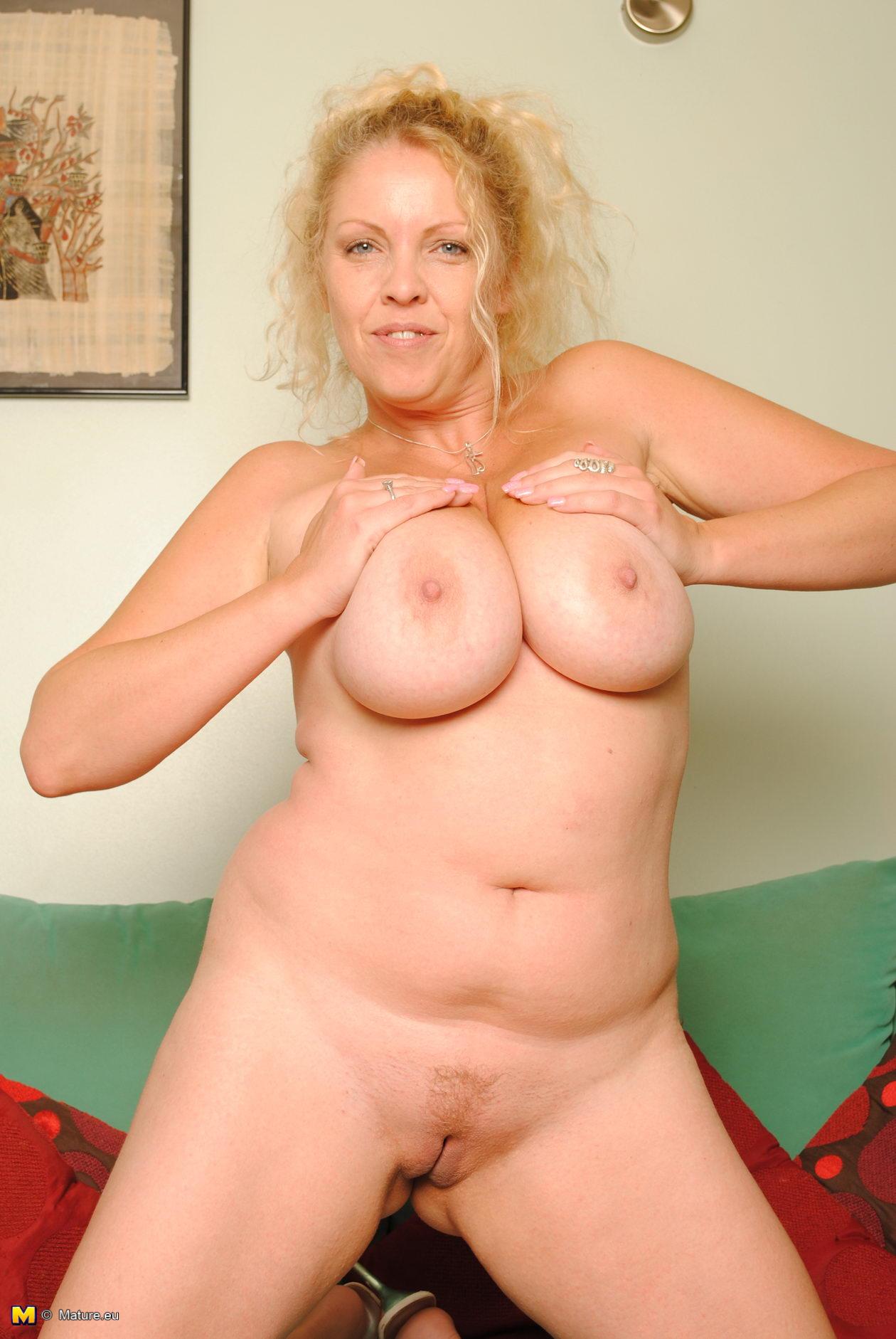Sexy Blonde Big Tits Strip