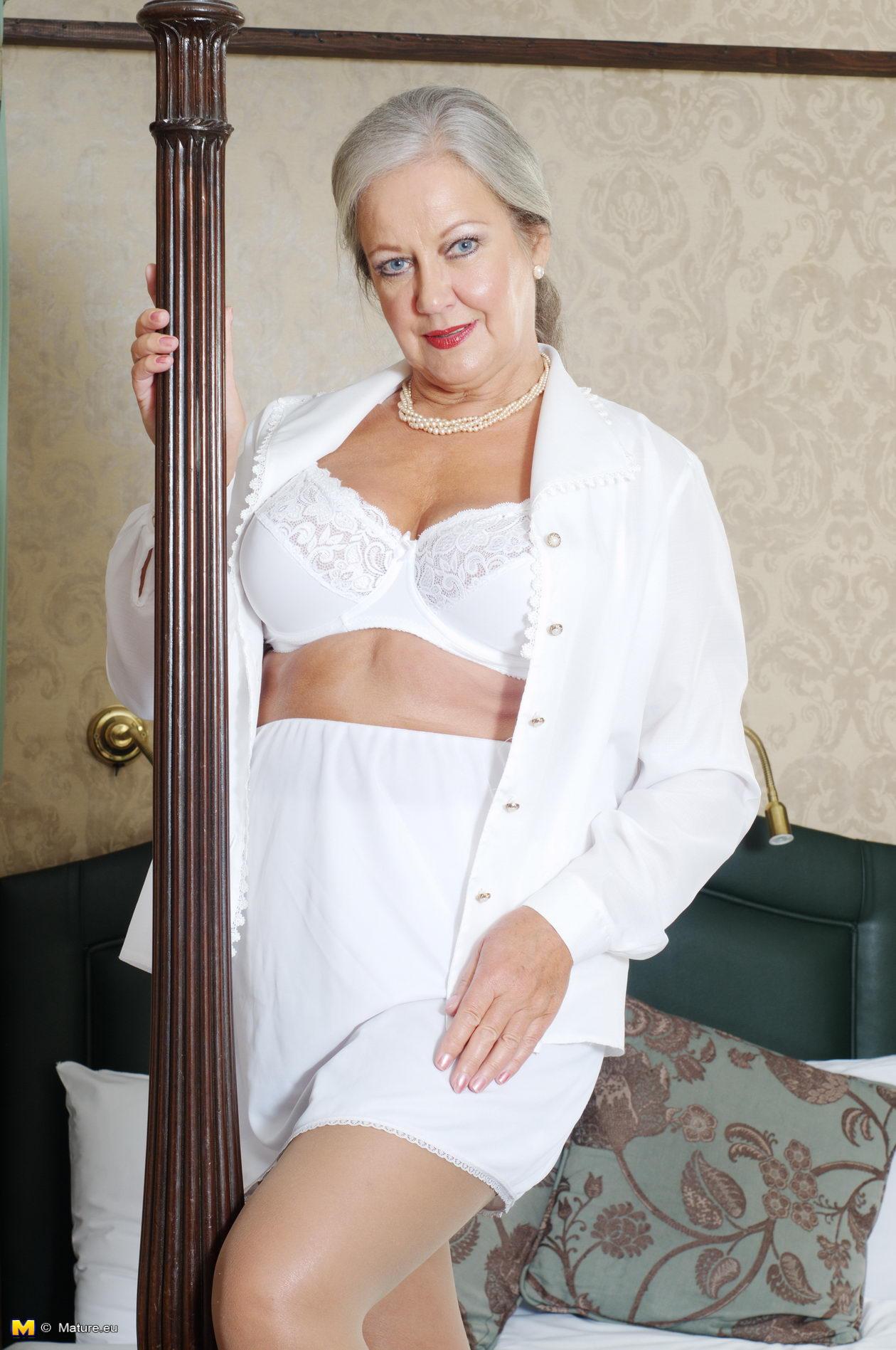 Nov naughty mature older sex