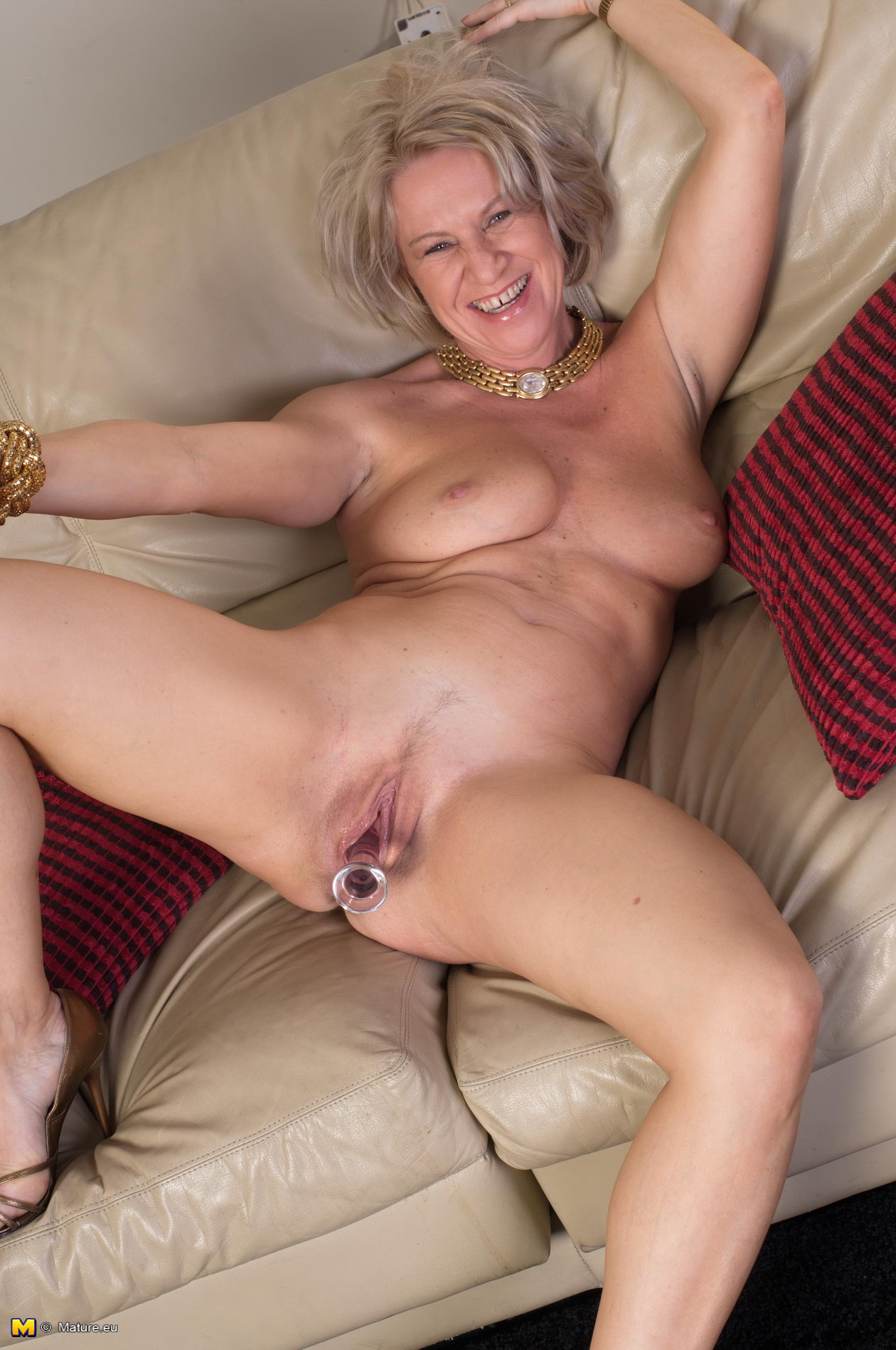 Naked mature women gray hair
