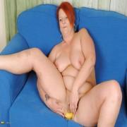 Chubby mature slut riding a banana
