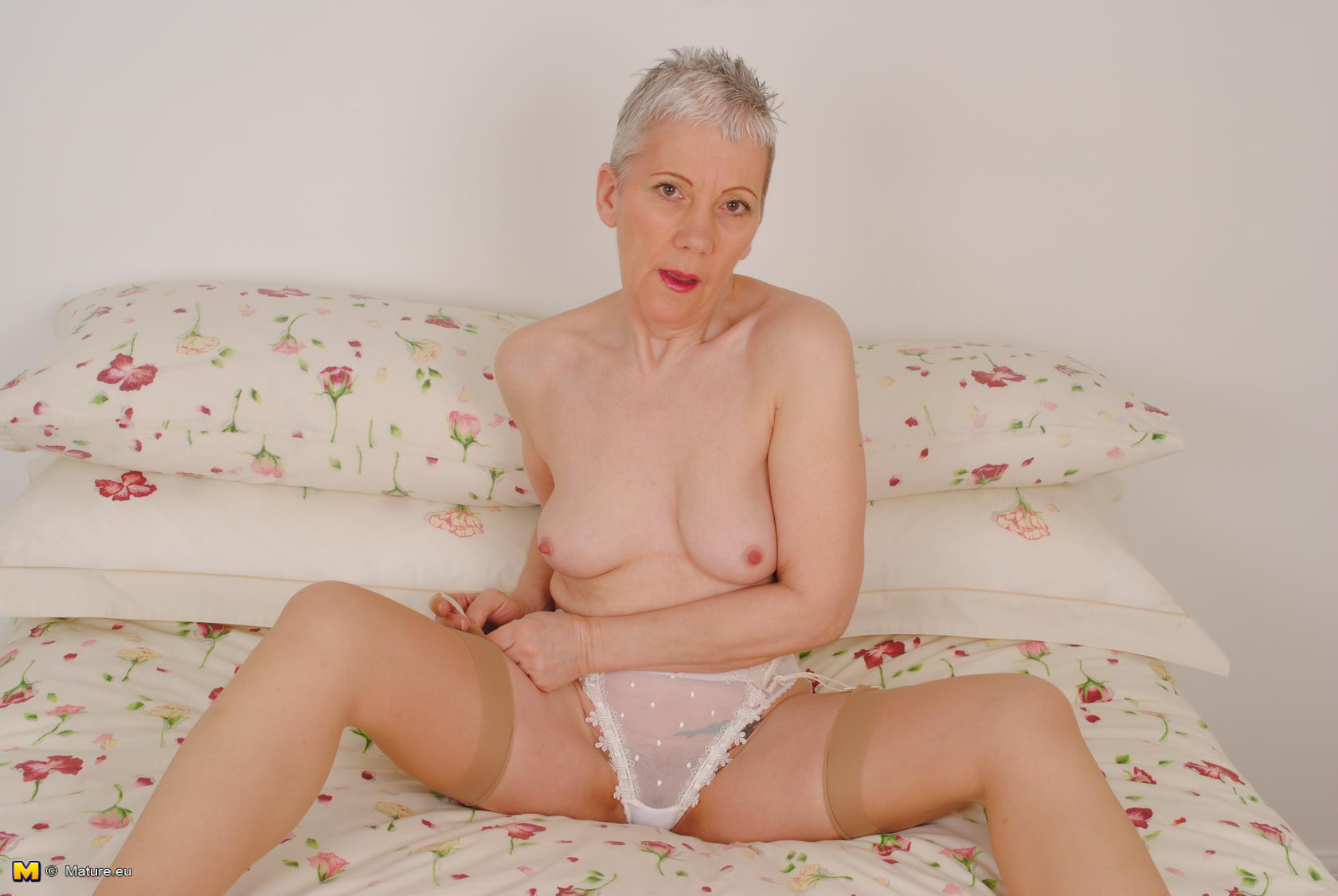 mature strip tease