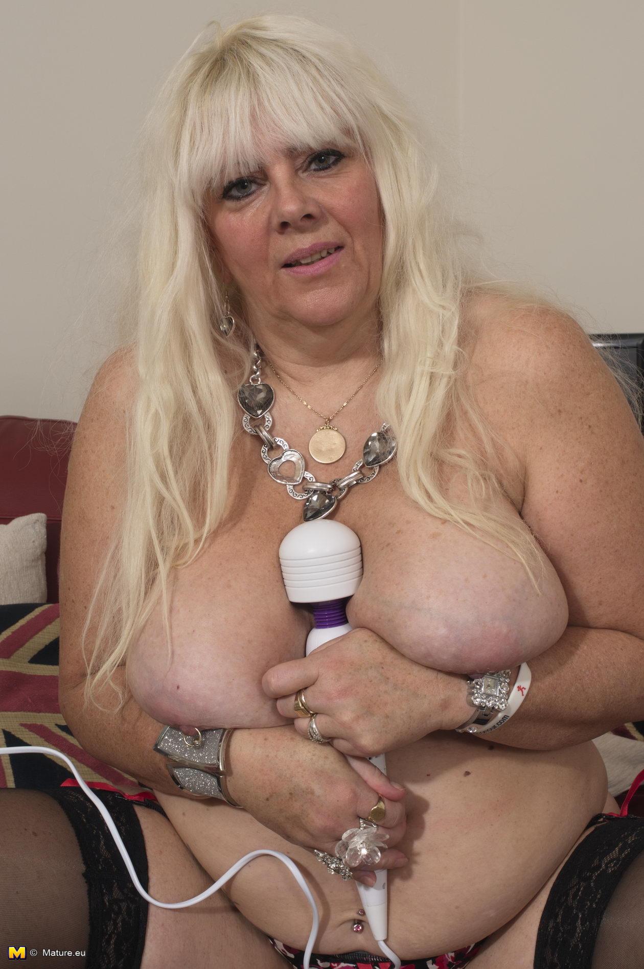Chubby mature blonde bbw tease