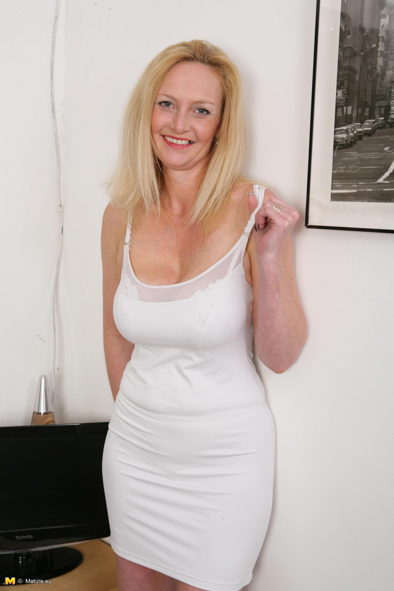 Mature Video Porn Gallery 104