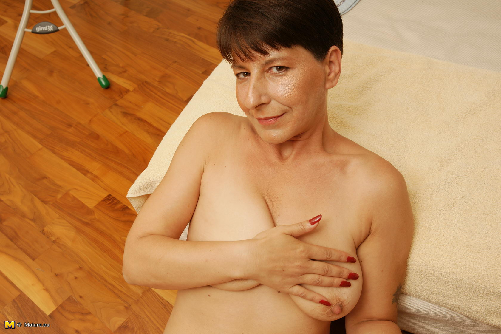 Free mature housewives sites