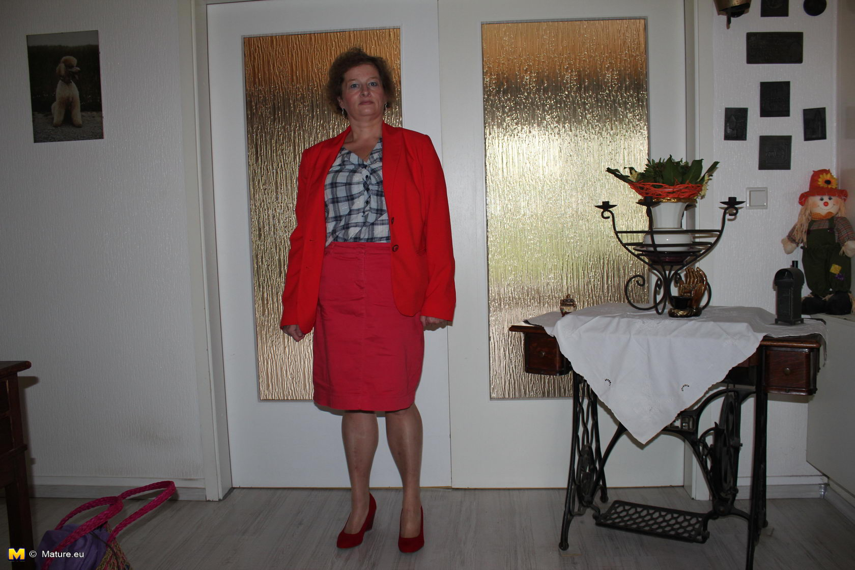 German Suzie is one naughty mature lady - Granny.nu