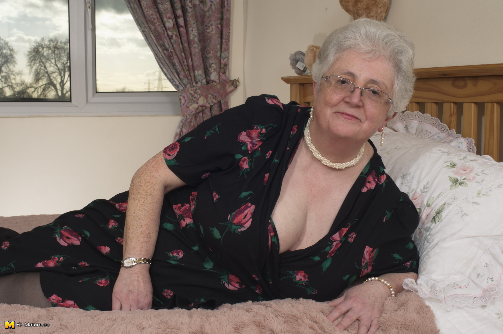 Super Grannysex 100