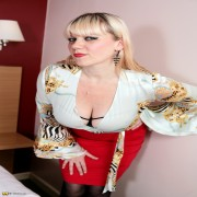 Hairy British housewife getting very naughty