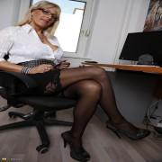 Hot German mom feeling a bit frisky