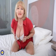 Horny mature Lorna Blu getting ready to play with her pussy