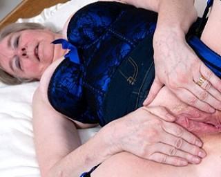 rasierte alte omafotze oma sexbilder