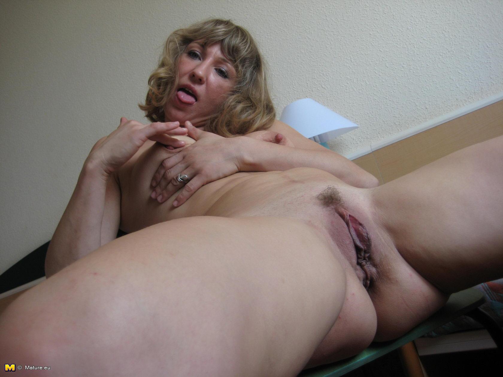 Amateur gallery nudist picture