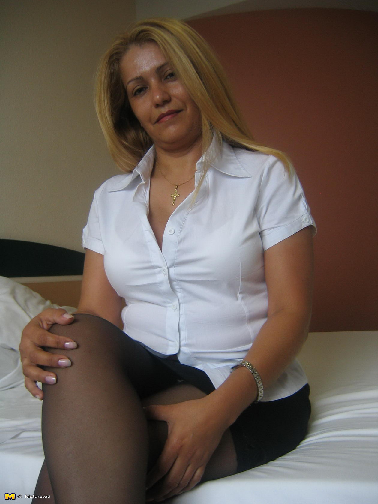 Granny having sex with young boy in hotel 6