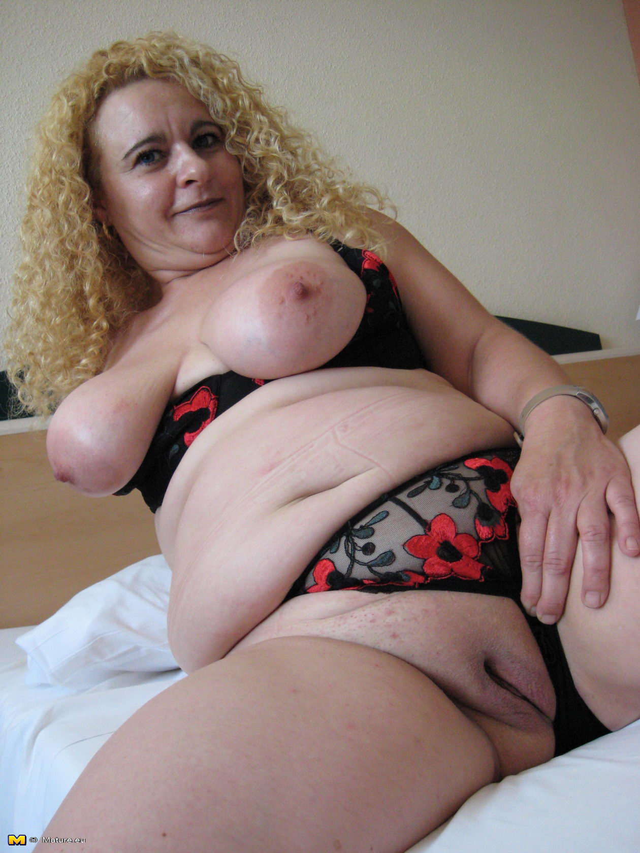 Бесплатное порно бесстыжих зрело толстых женщин