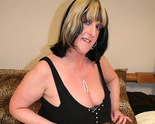Mature-nl Big titted mature slut playing with herself