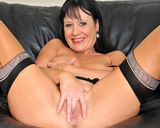 This hot mature slut loves to get wet on the couch