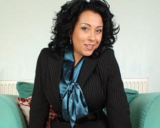 Sexy British MILF playing with herself