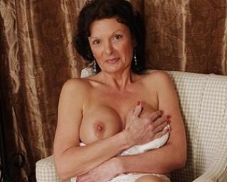 Sexy British MILF loves to masturbate