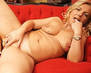 This hot housewife loves to tease and please